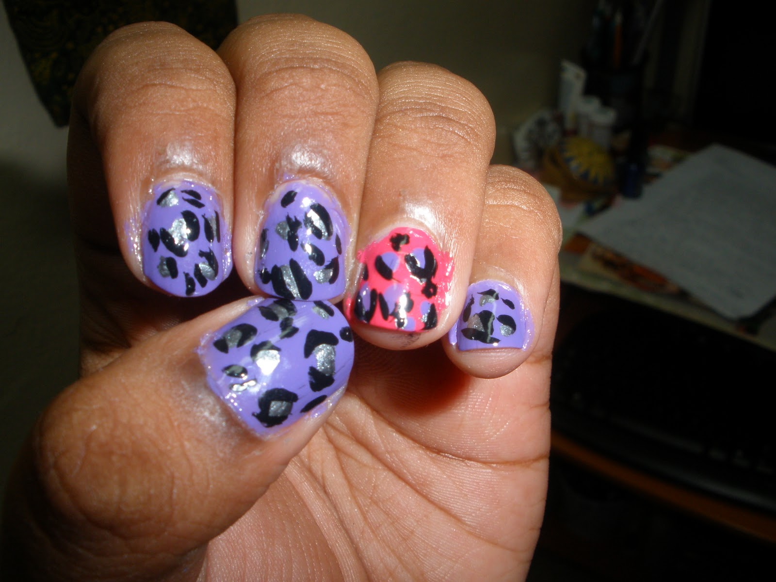 Cute cheetah print nails