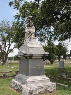 Grave of Lina Haseloff