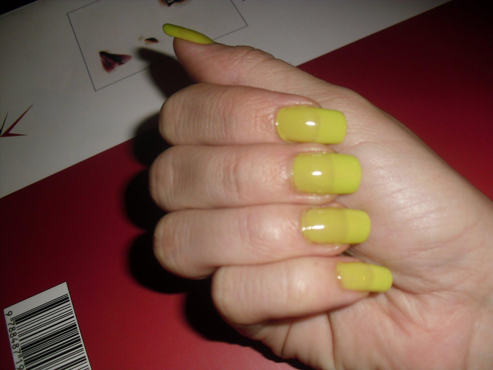 Bella Identidad: Color en mis uñas