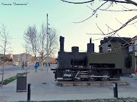 """Antiga màquina de tren que recorda l'arribada del ferrocarril al 1885. Autor: Francesc """"Caminaire"""""""