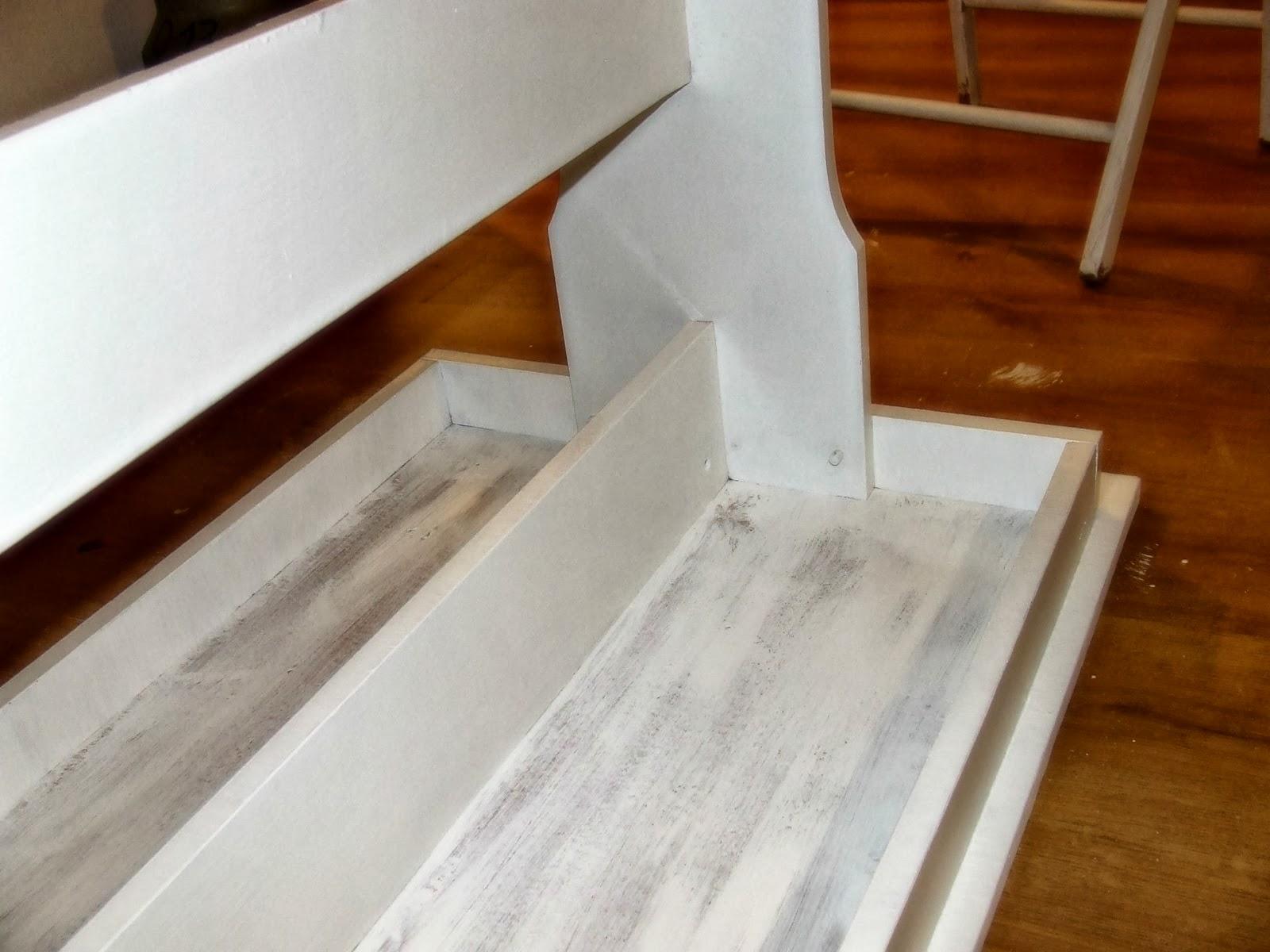 inspiracja DIY na odnowienie starego stołu