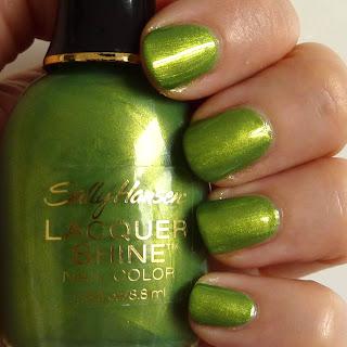 Sally Hansen Laquer Shine Nail Polish in Glow