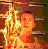 Hebat ! Orang-orang yang Bisa Memunculkan Api Dari Tubuhnya - mediametafisika.com