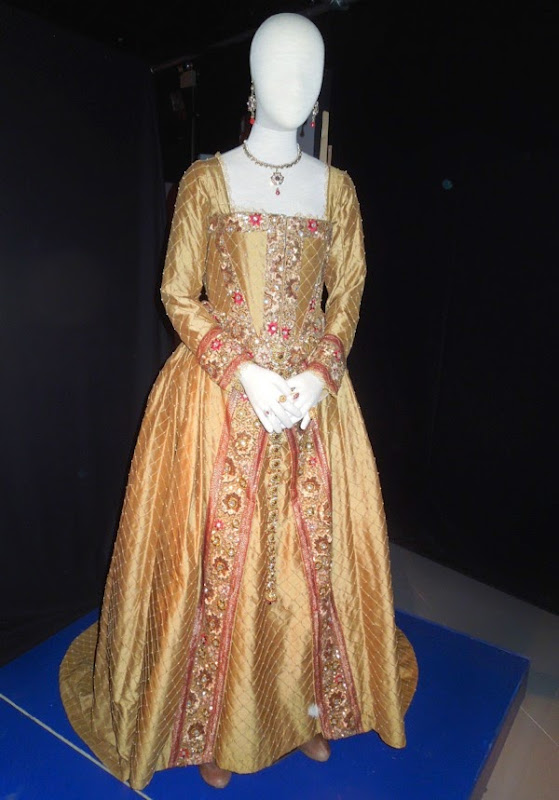 Queen Elizabeth I Doctor Who costume