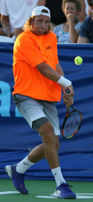 Sandgren upsets top seed in Aptos qualifying