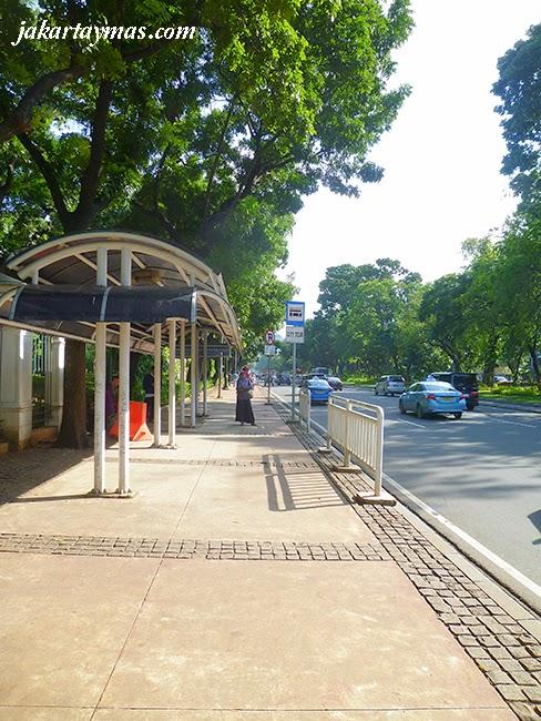 Estación del bus turístico de Yakarta