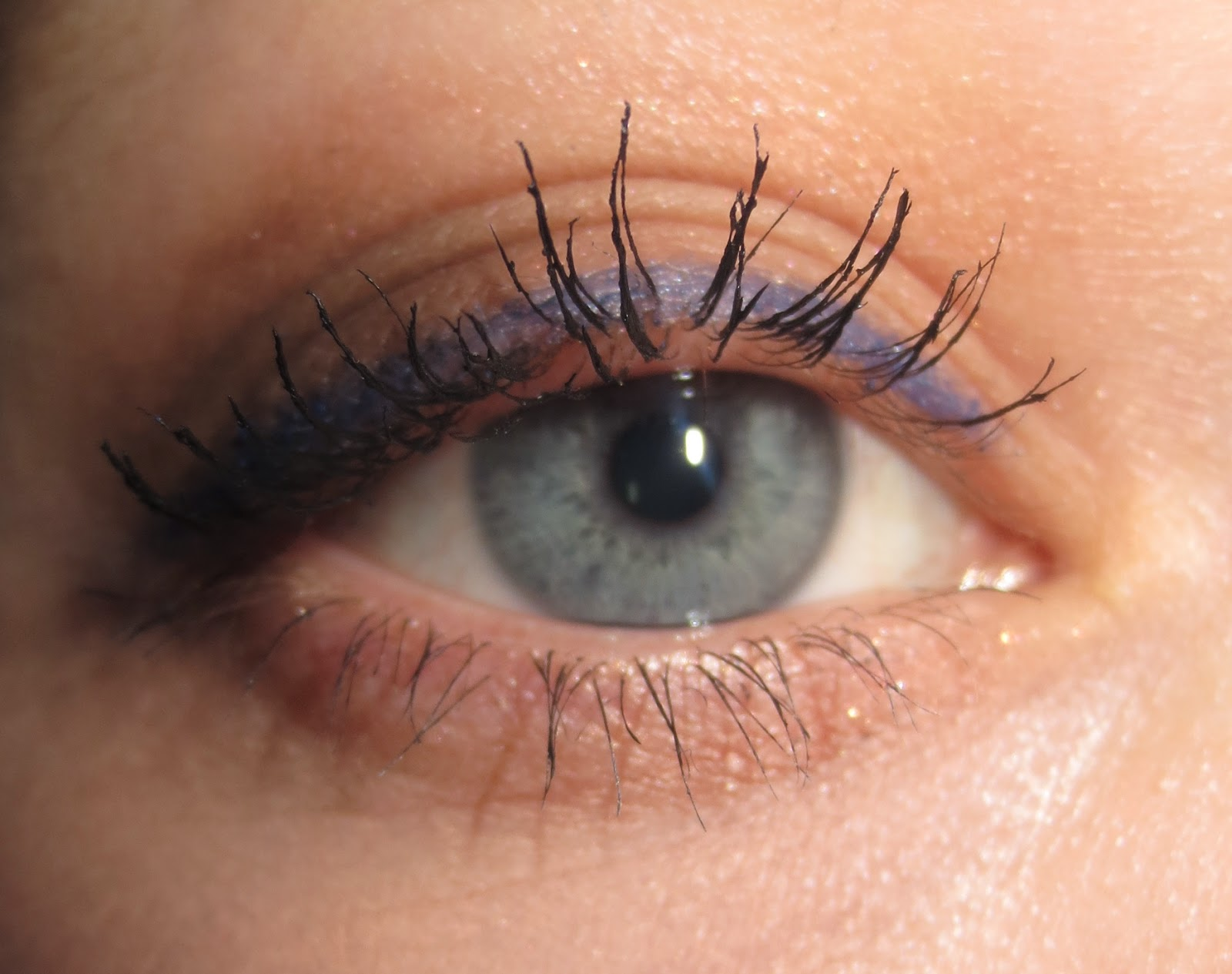 Clarins Truly Waterproof Mascara on Lashes