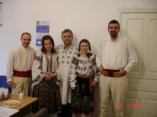 Dragobete sarbatorit in costume traditionale