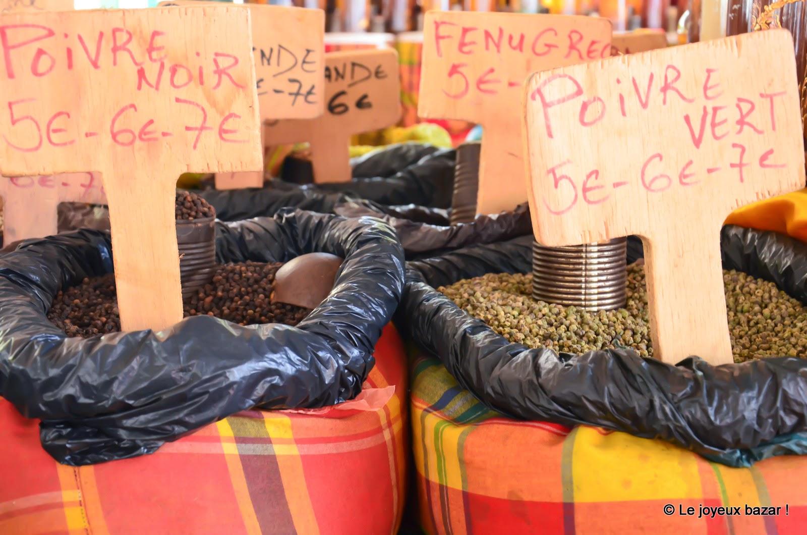 Guadeloupe - Pointe à Pitre - marché  aux épices - poivre