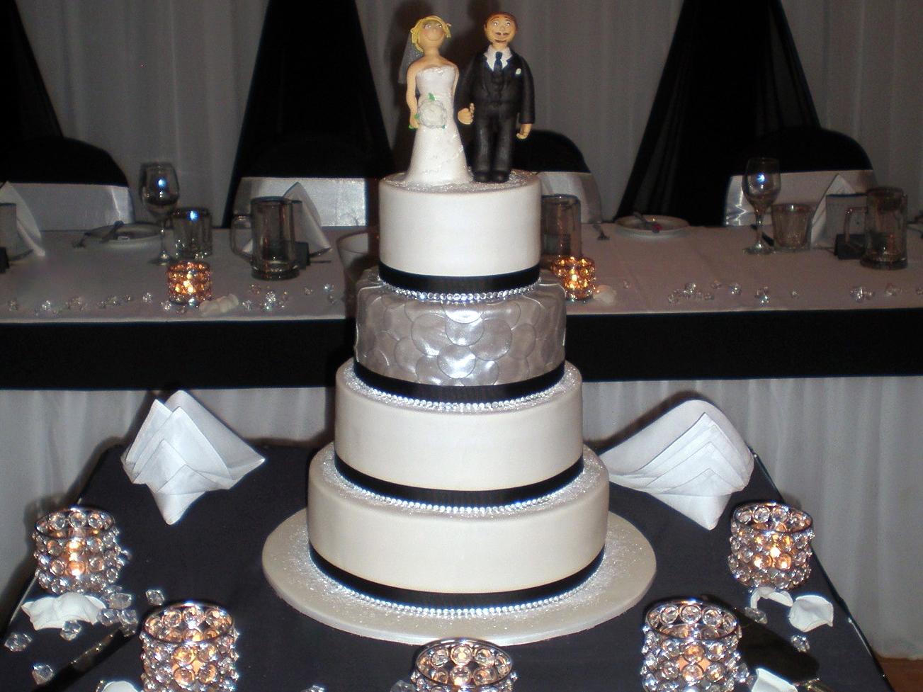 Sugar Siren Cakes Mackay Black White & Bling Wedding Cake