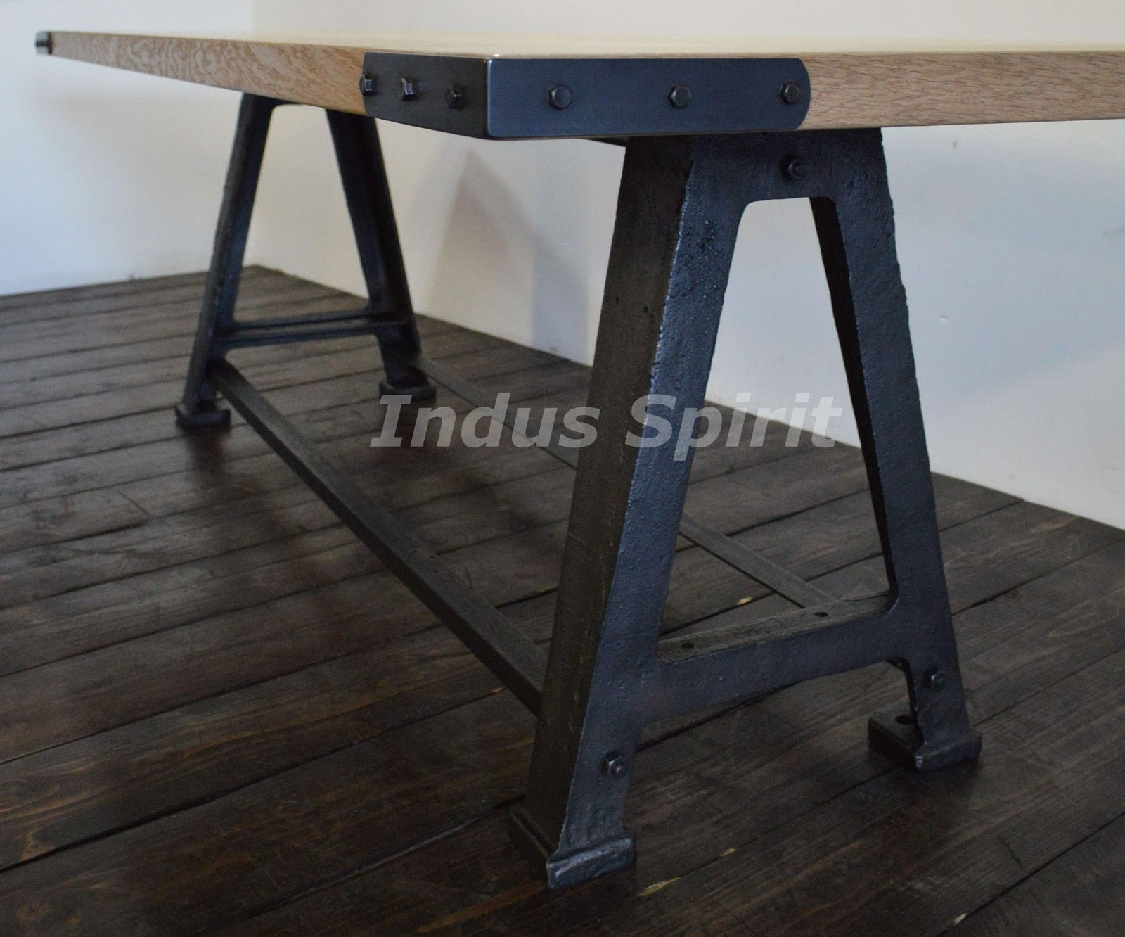 Table style industriel for Table ronde style industriel