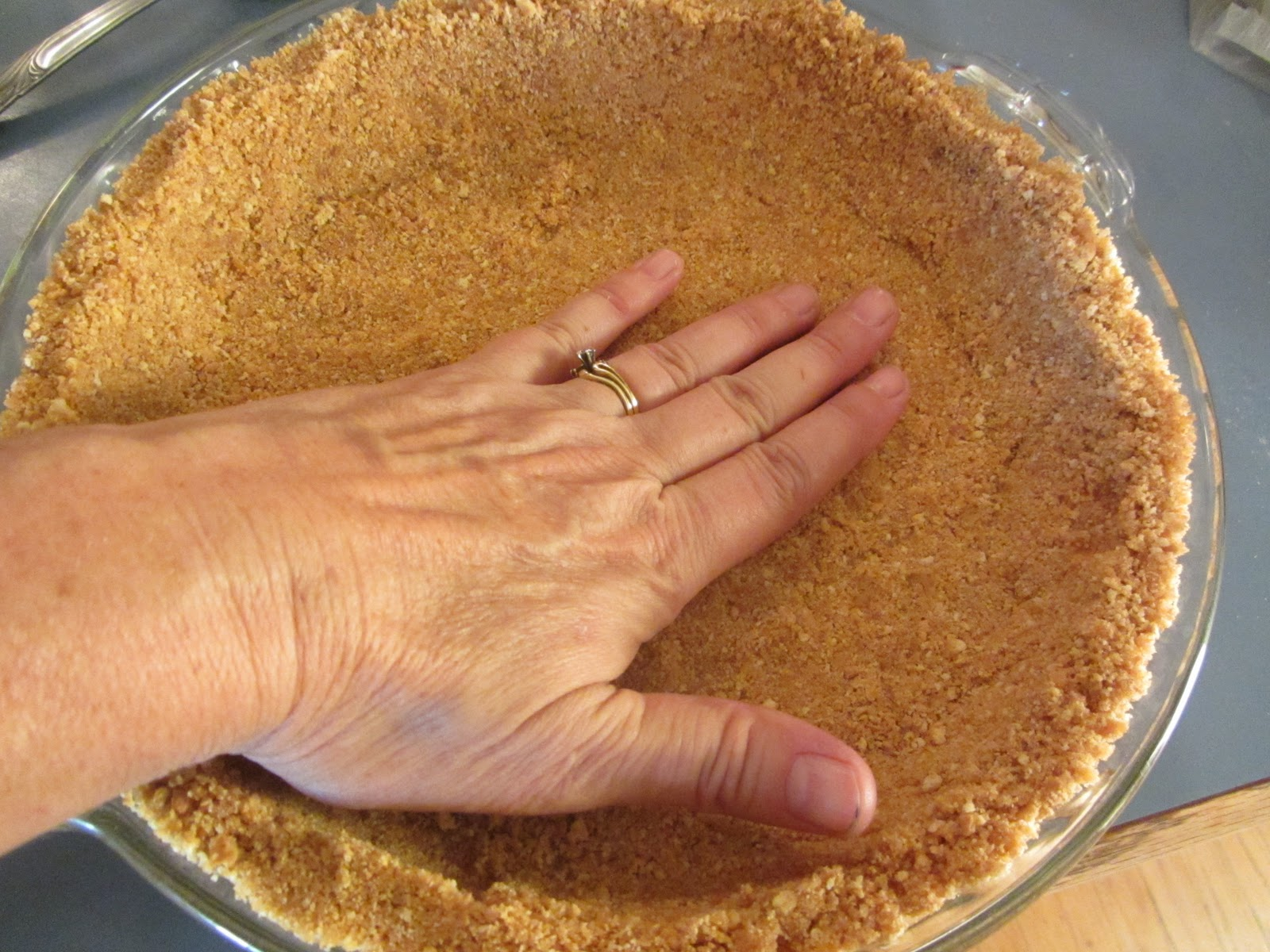 Dinner is Ready!: How to make a Graham Cracker Crust