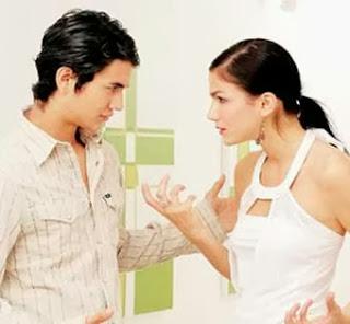 الأزواج يفضلون الإجابات المباشرة من زوجاتهم  - رجل امرأة يتجادول جدال جدل عراك شجار يتشاجرون - man woman fight argue