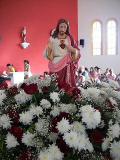 IMÁGENS DA  MISSA E PROCISSÃO DE  ENCERRAMENTO DA FESTA E CRIAÇÃO DA PARÓQUIA DO SAGRADO CORAÇÃO DE JESUS