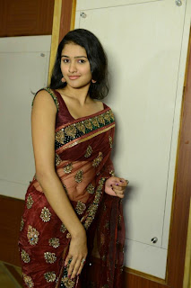 actress Kousalya navel show