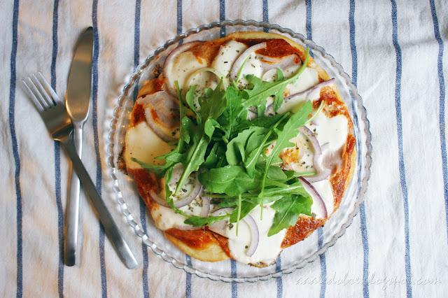 pizza bez pieczenia aaaledobre.blogspot.com