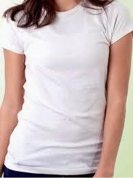 Untuk atasan kamu bisa memilih t-shirt, blouse, kemeja, atau bisa di