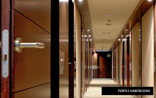 preicar puertas para hoteles