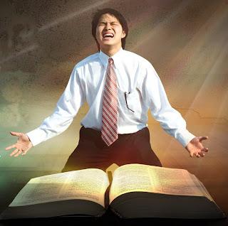 Por que adoramos a Deus?