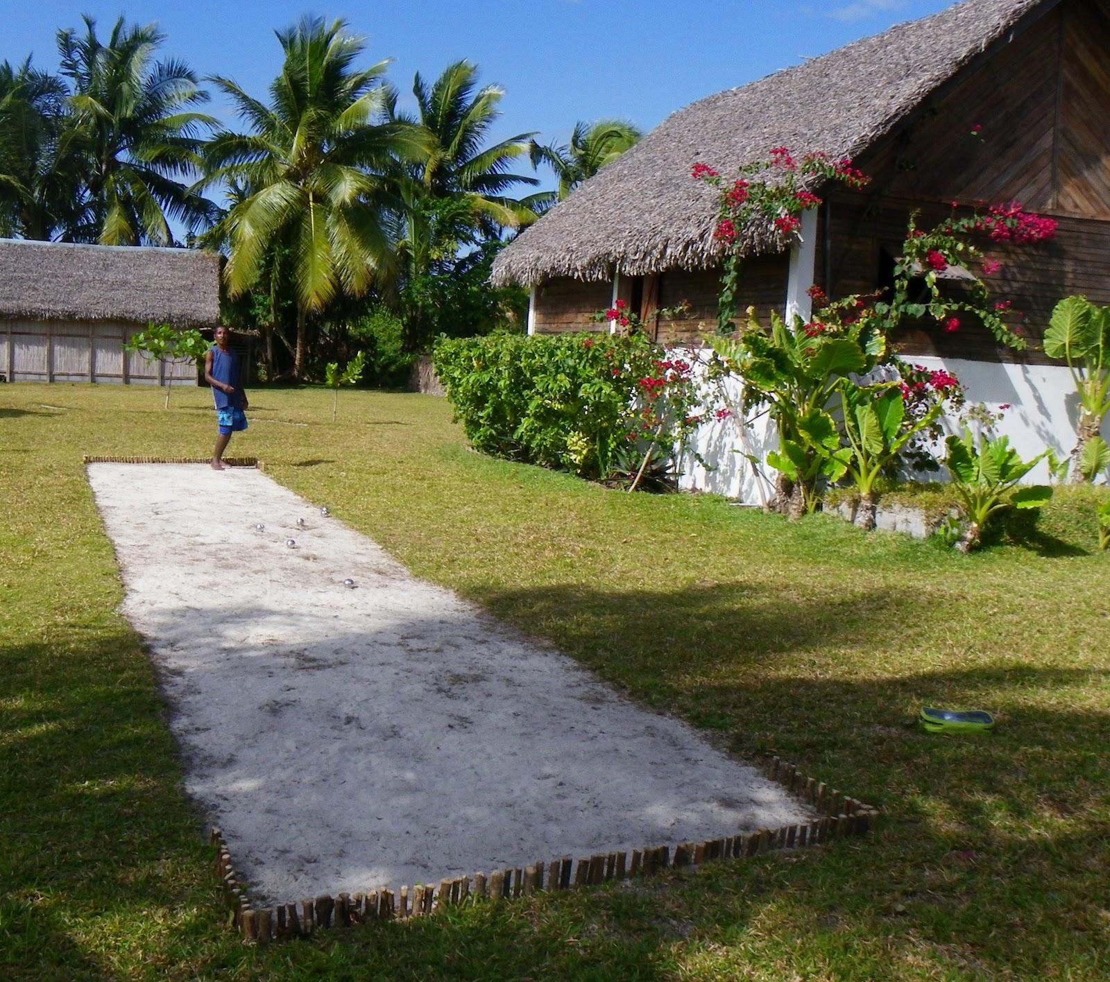 Location madagascar ile aux nattes for Terrain de petanque dans son jardin