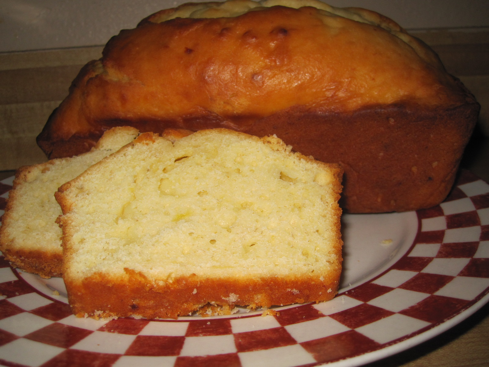 Some of This & Some of That: Sour Cream Banana Bread