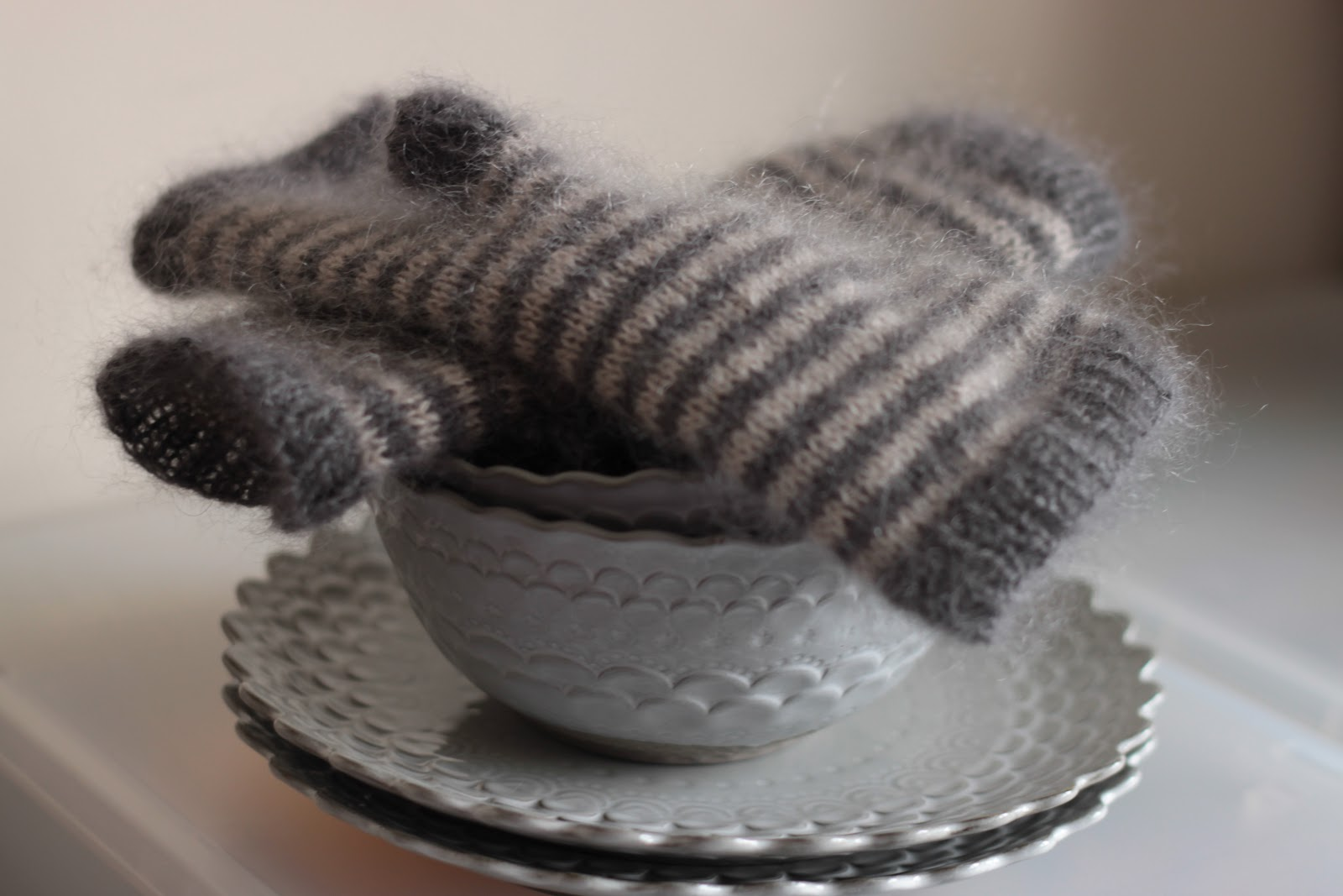 Knitting Pattern For Mittens Using Two Needles : KnittingPony: Storm Fingerless Mittens (free knitting pattern)