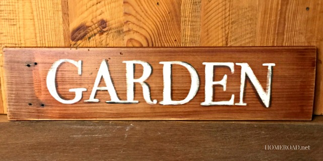 Distressed Outdoor Garden Sign  www.homeroad.net