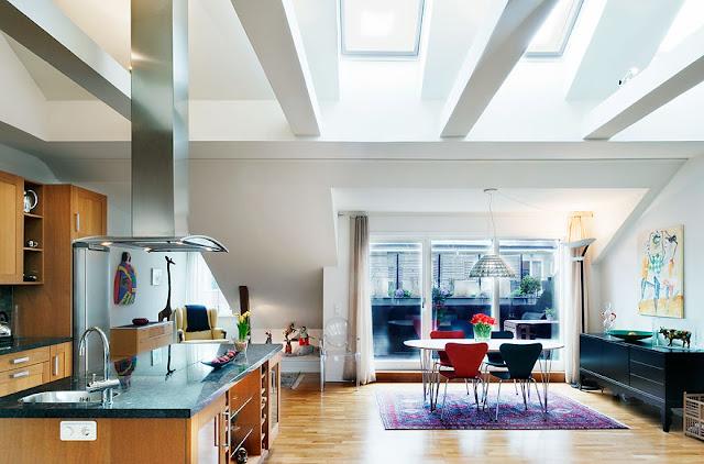 Pent hus loftsleilighet loft with open plan living for Decoracion aticos modernos