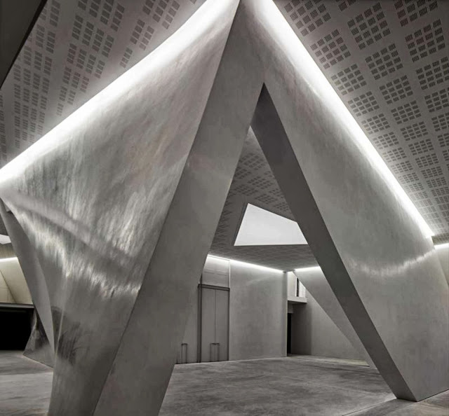 05-The-Teatrino-of-Palazzo-Grassi-by-Tadao-Ando