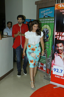 Parineeti Chopra Pictures at Radio Mirchi Mumbai Studio Daawat E Ishq Movie Promotion  14.JPG