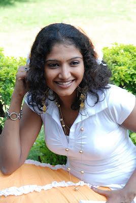 Tollywood Actress Maju Sri Hot HQ Photos
