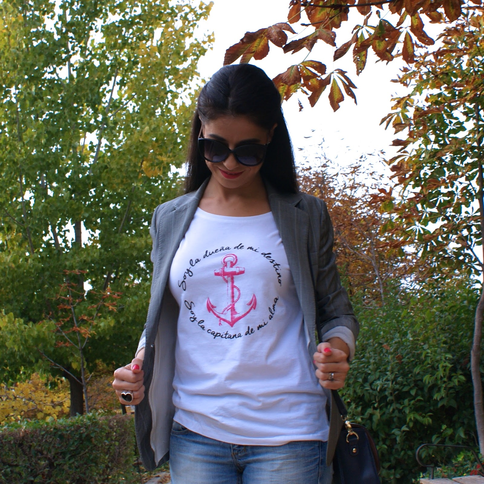 MissCalamidades, camiseta con mensaje