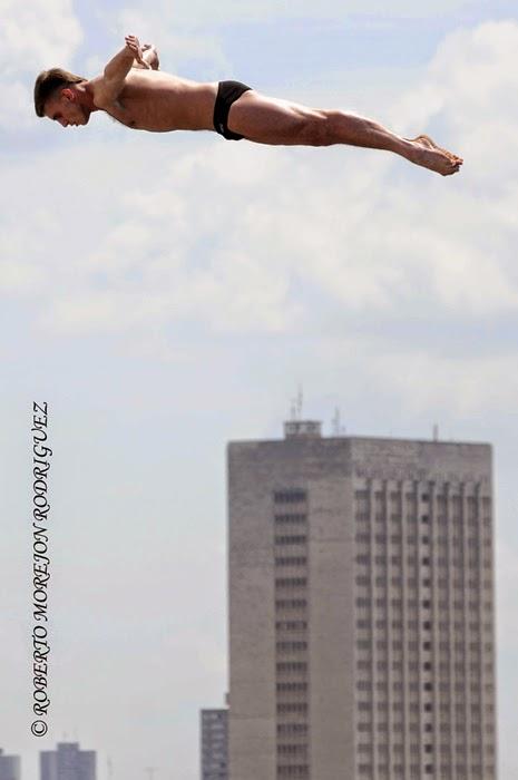 Primera parada de la VI Serie Mundial Red Bull Cliff Diving 2014, disputada el 10 de mayo de 2014, en el Castillo de los Tres Reyes del Morro, en La Habana, Cuba