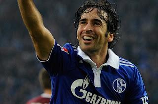 El Schalke 04 no quiere que Raúl se marche