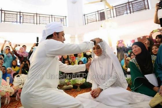 Pernikahan Syamsul Yusof dan Puteri Sarah Liyana. Mabruk!!Pernikahan Syamsul Yusof dan Puteri Sarah Liyana. Mabruk!!