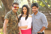 Garam Movie cast photos on the sets-thumbnail-19