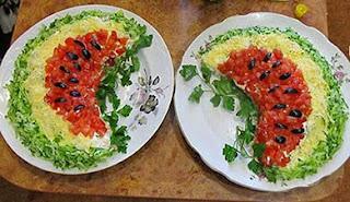 Salada enfeitada para a ceia de Natal