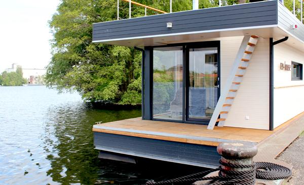 anneliwest berlin rev house schwimmende h user. Black Bedroom Furniture Sets. Home Design Ideas