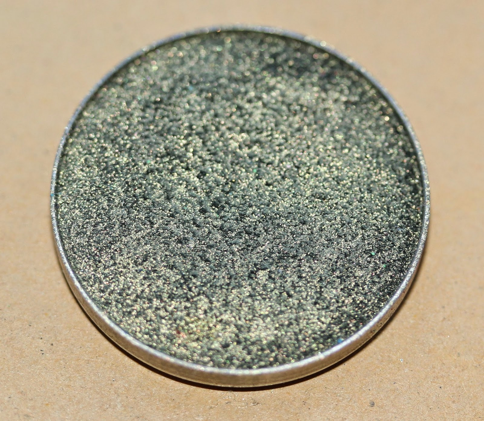 Makeup Geek Foiled eye shadow in Jester