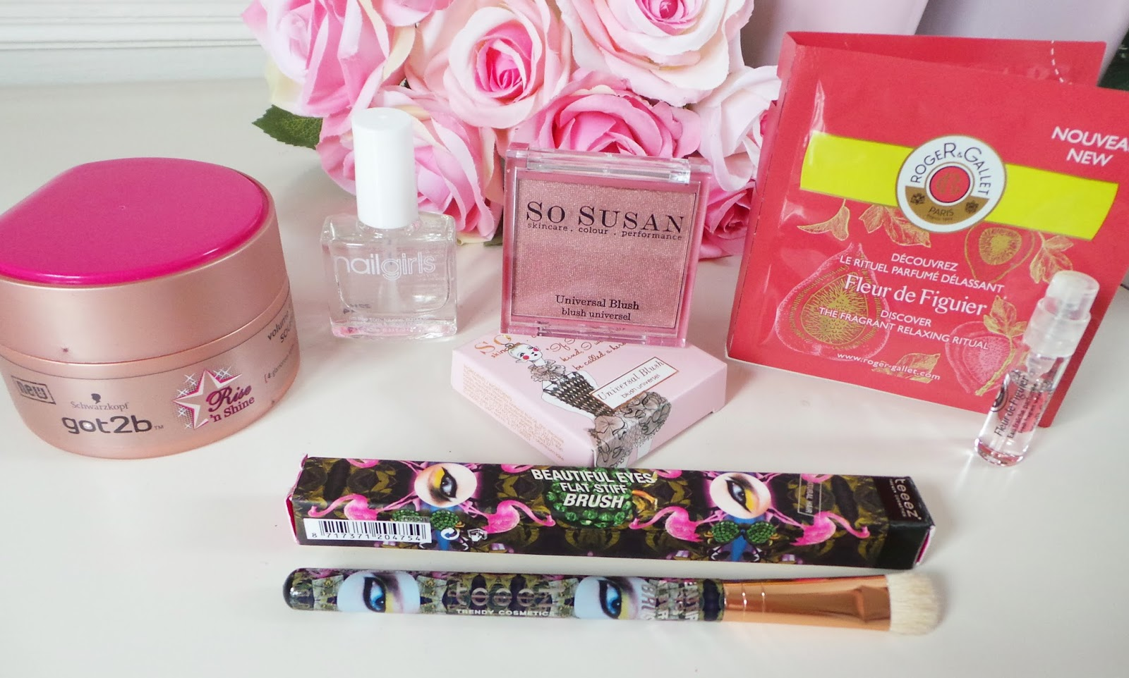 glossybox, glossybox uk, glossybox review, june 2014 glossybox review, june glossybox, beautylovers, glossyboxuk, beautyblog, beauty blog, uk beauty blog, uk beauty blogger,