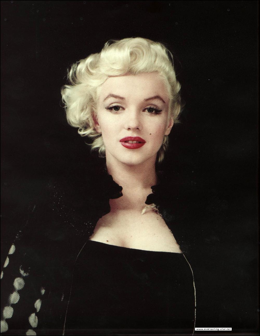 http://1.bp.blogspot.com/-uPU_Z3VPrME/T627U5RIMiI/AAAAAAAARmo/aye8LVJCo3U/s1600/Marilyn-Monroe-marilyn-monroe-12892778-1000-1293.jpg