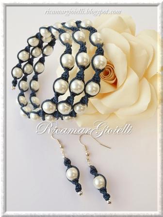 Macramory bracciale ed orecchini realizzati con filo armonico, macramè e perle