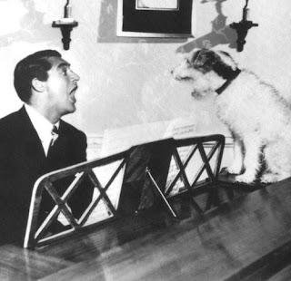 El canto de Cary Grant y su perro