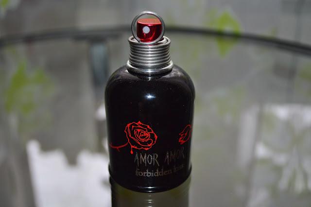 Cacharel. Amor Amor. Forbidden Kiss. Parfume. Fagrance. Bottle