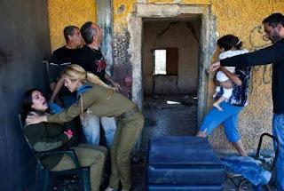سقوط صاروخين قرب تل ابيب مع ارتفاع عدد القتلى في غزة