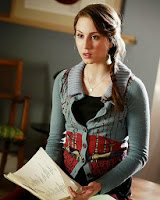 http://outfitdeldia.blogspot.com/2013/11/looks-de-spencer-pretty-little-liars-3.html