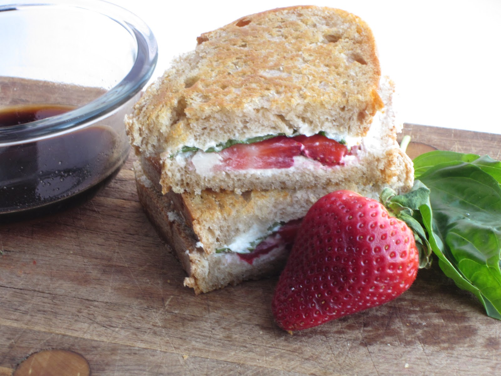 Sweet Luvin' In The Kitchen: Strawberry-Basil and Goat Cheese Panini
