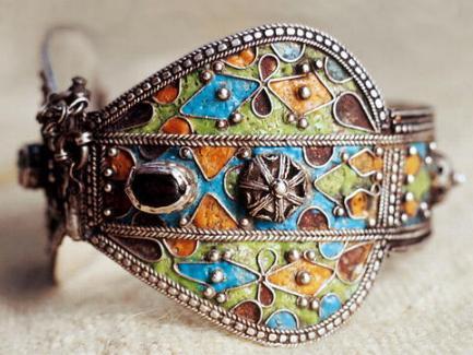 Amazigh - L'art du bijou Amazigh de Kabylie Bfm85tp8