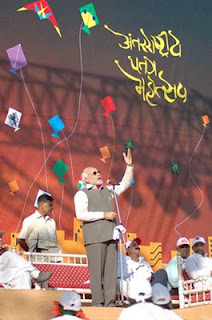 2012-Vibrant-Ahmedabad-In-Gujarat-International-Kite-Festival-Wallpapers