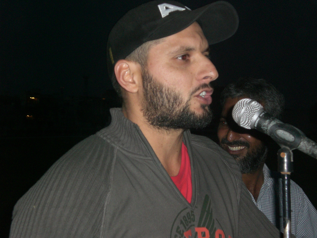 Shahid afridi wallpapers 2012 hd shahid afridi hd wallpapers